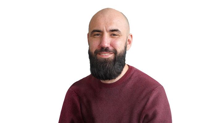 https://cdn01.plentymarkets.com/avw8j9fg70hi/frontend/website_plentycom/OHK2021/speaker/Peter-Mueller-Makaira_700x400.jpg